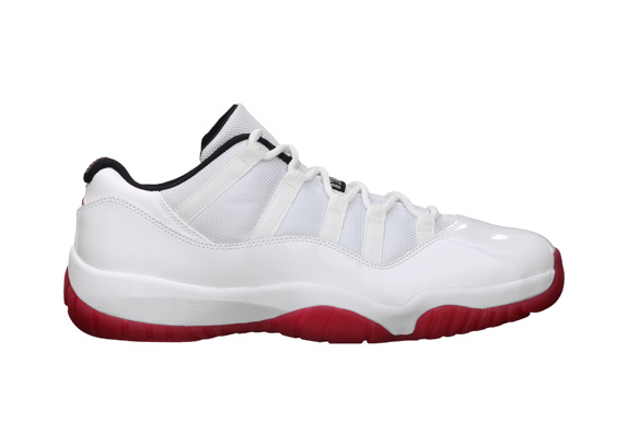 Jordan11Low_Featured